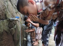 Students taking ablution (wudhu) Islamic ritual is odependable to clean water