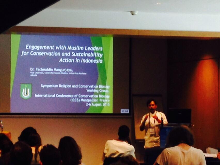 Dr. Fachruddin Mangunjaya sedang mempresentasikan makalahnya di ICCBE, 2015 Montpellier Perancis