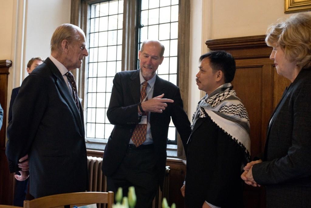 Dari kiri HRH Duke of Edinburgh Prince Phillip, Mr Martin Palmer Secretary General-ARC-Dr.Fachruddin-Mangunjaya and Dr. Joyce Da Silva from-Compassionin World-Farming